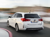 Images of Toyota Auris Touring Sports Hybrid 2013