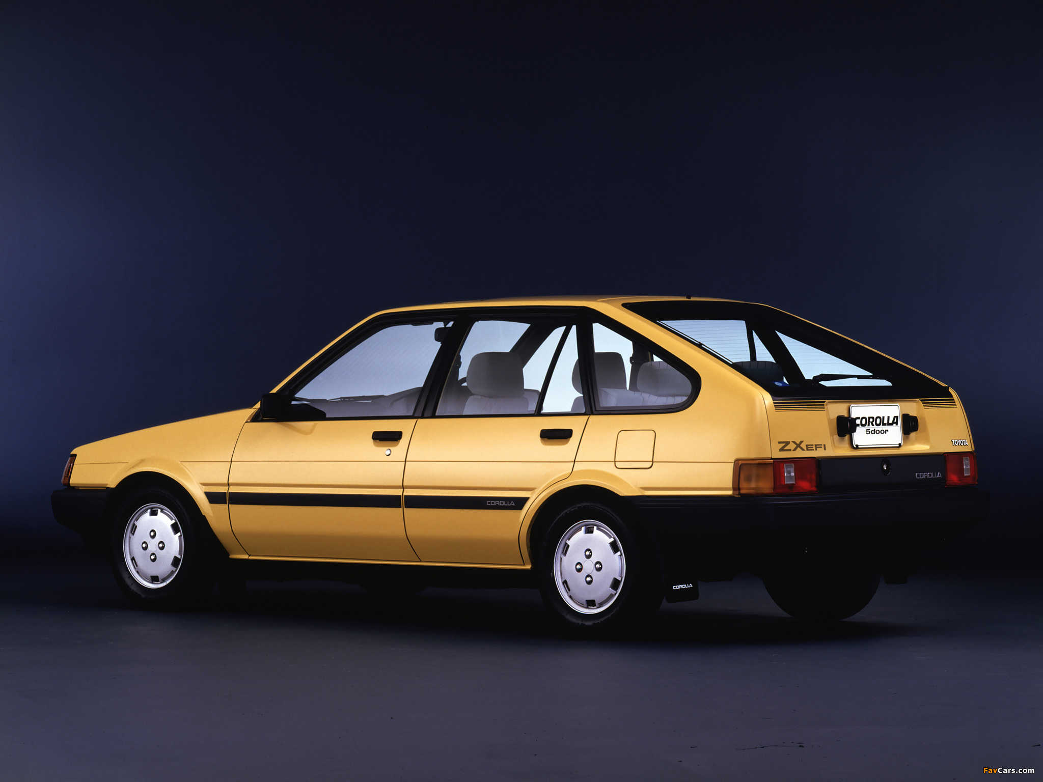 Pictures of Toyota Corolla 5-door ZX (AE80/AE81) 1983–85 ...