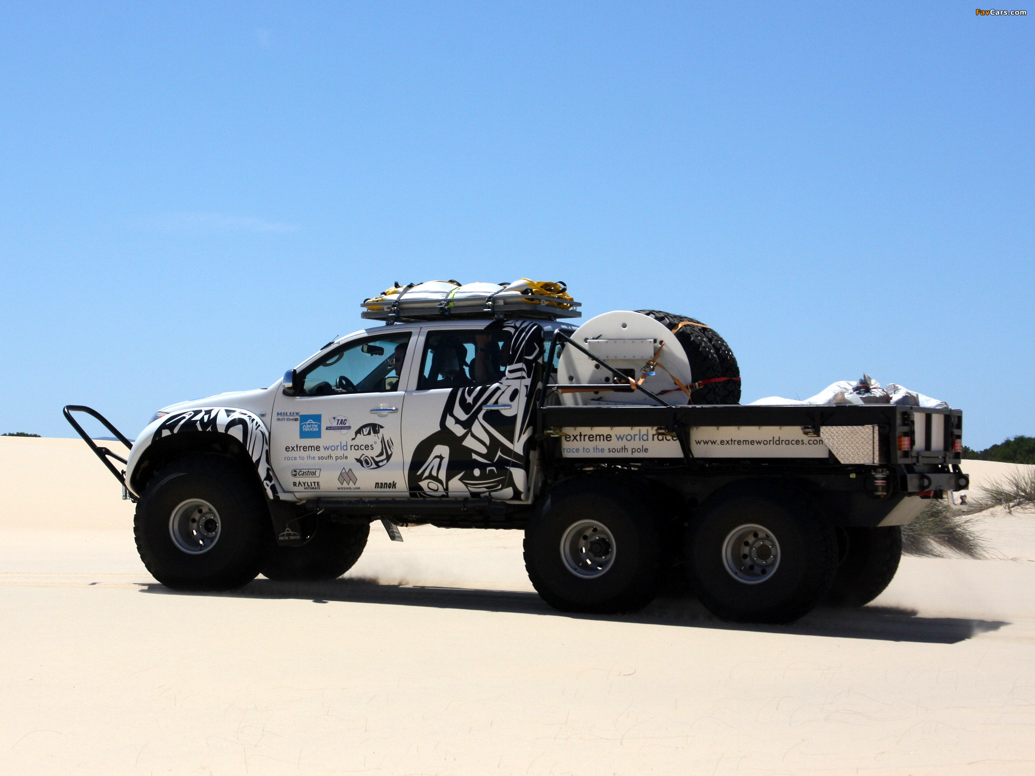 Arctic Trucks Toyota Hilux At44 6x6 2010 Wallpapers