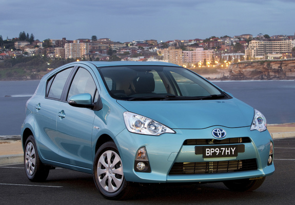 Photos Of Toyota Prius C Au Spec 2012 800x600