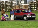 Pictures of Toyota RAV4 5-door 1998–2000