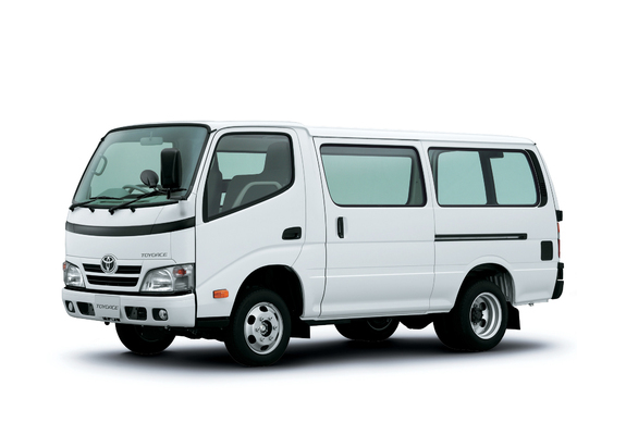 Toyota Toyoace Van 2006 Pictures 640x480
