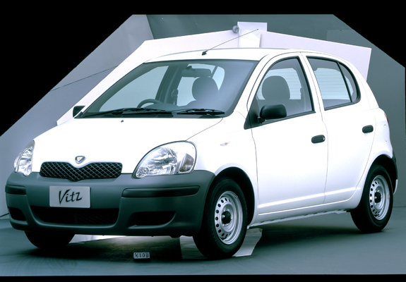 Toyota Vitz 5 Door 2001 05 Wallpapers 800x600