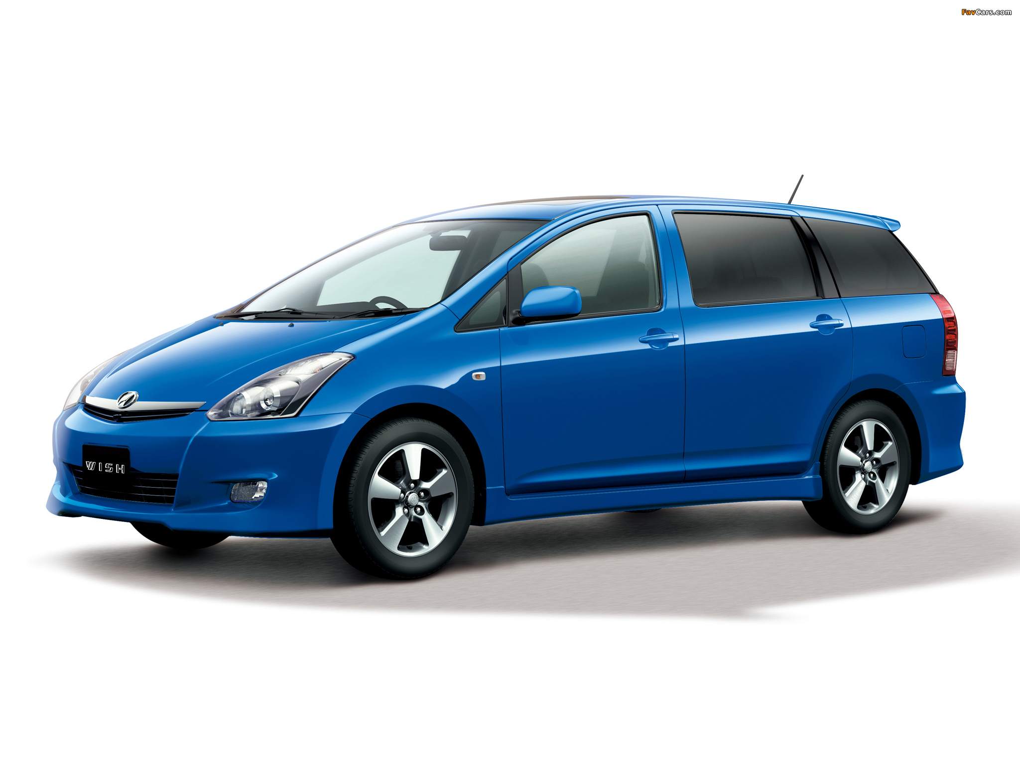 Toyota WISH resimleri