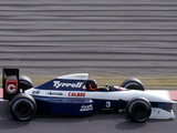 Photos of Tyrrell 020B 1992