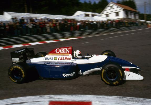 ティレル 021 ヤマハ : F1グラン...