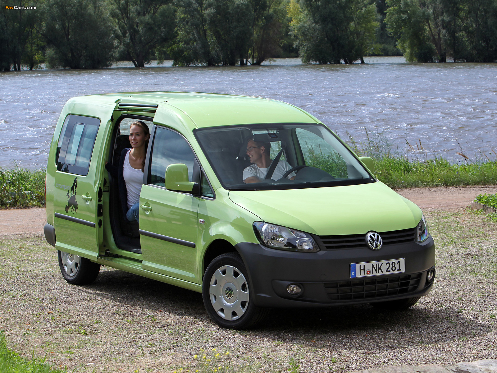 volkswagen caddy tramper maxi type 2k 2010 wallpapers. Black Bedroom Furniture Sets. Home Design Ideas