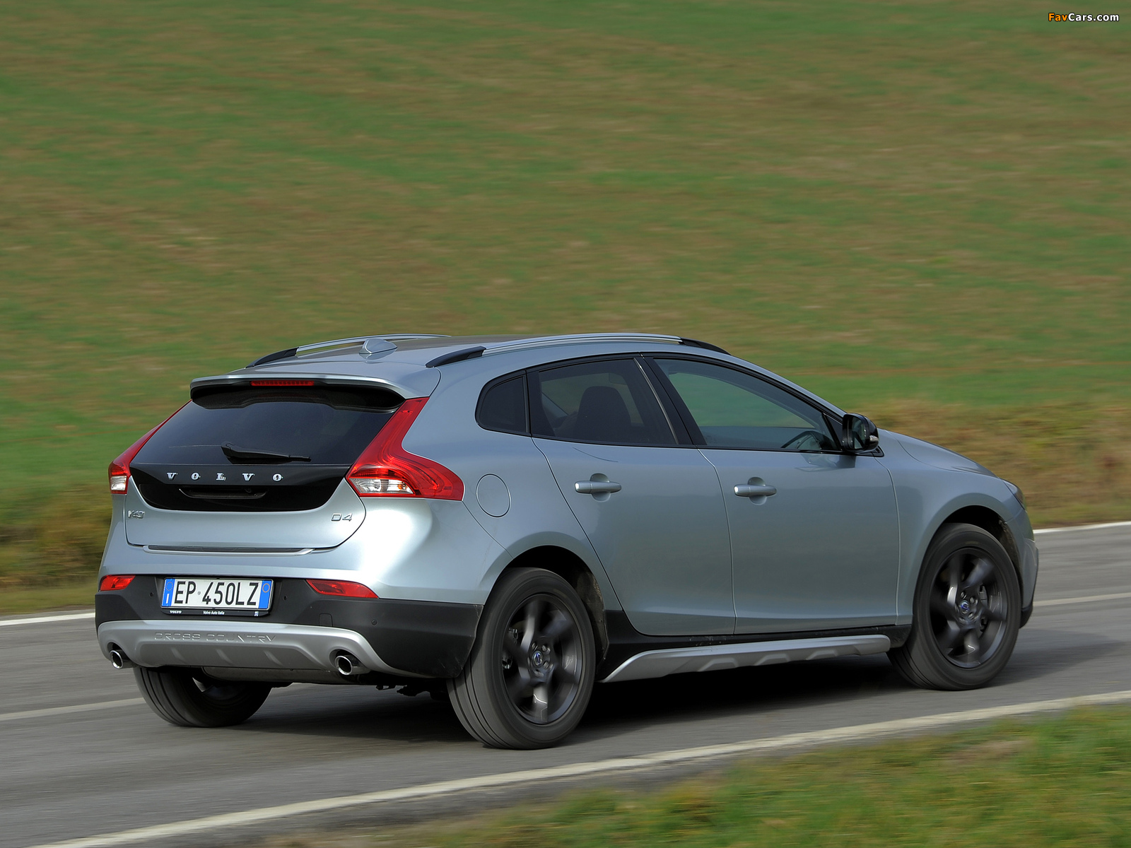 volvo v40 cross country d4 2012 photos 1600x1200. Black Bedroom Furniture Sets. Home Design Ideas