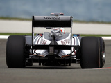 Williams FW33 2011 photos