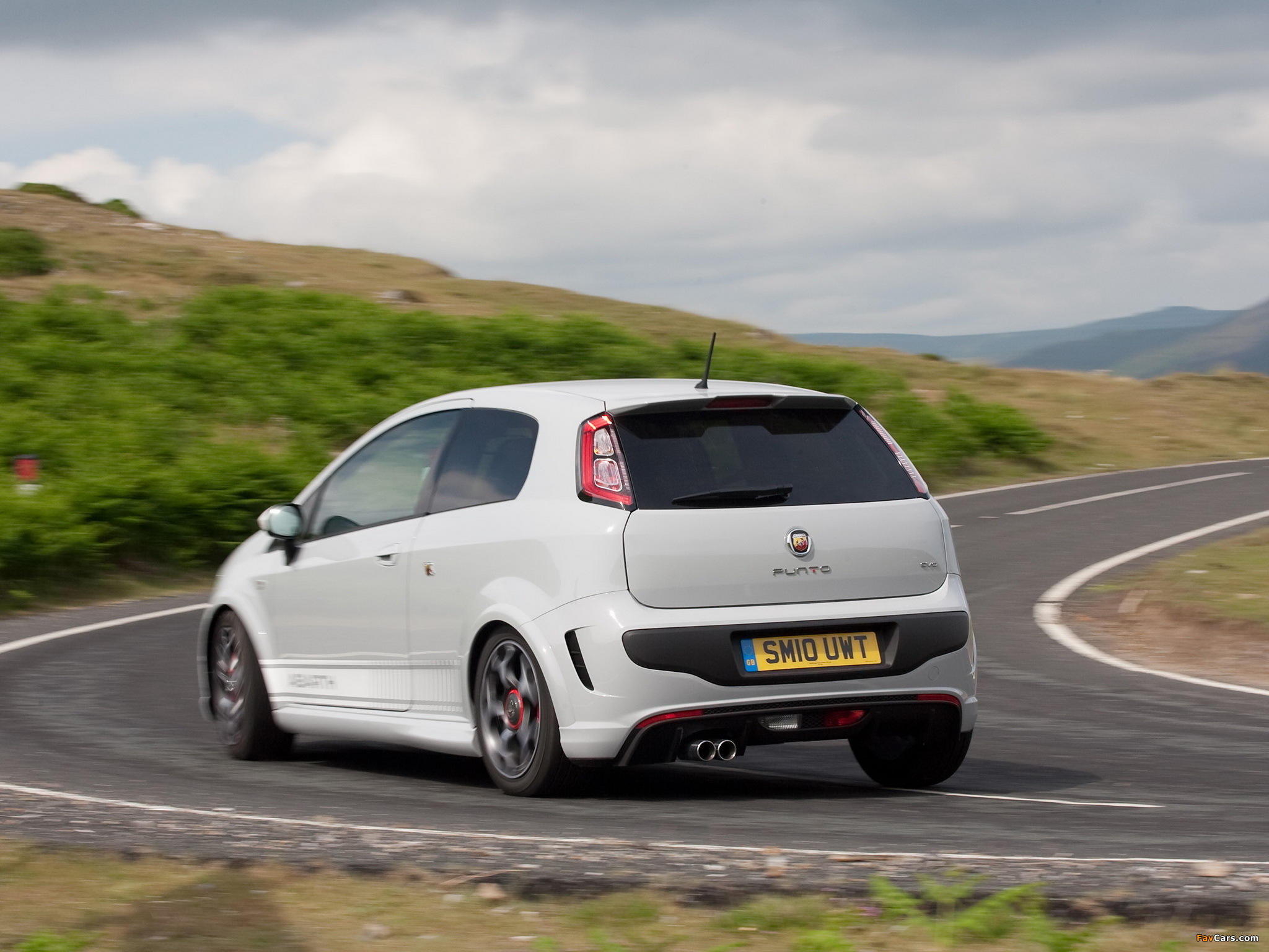 Abarth Punto Evo UK-spec 199 (2010) pictures (2048 x 1536)