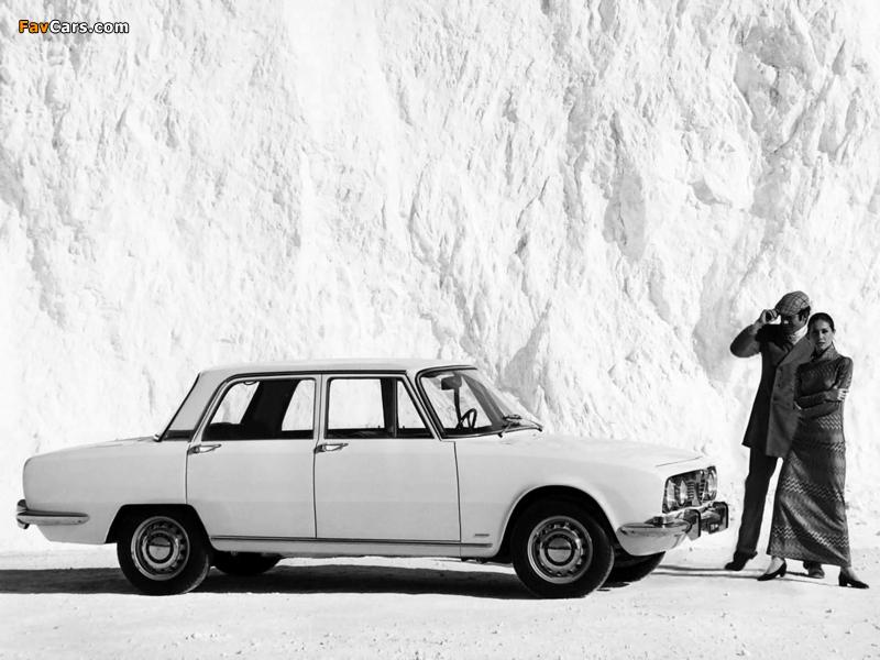Photos of Alfa Romeo 1750 Berlina 105 (1967–1969) (800 x 600)