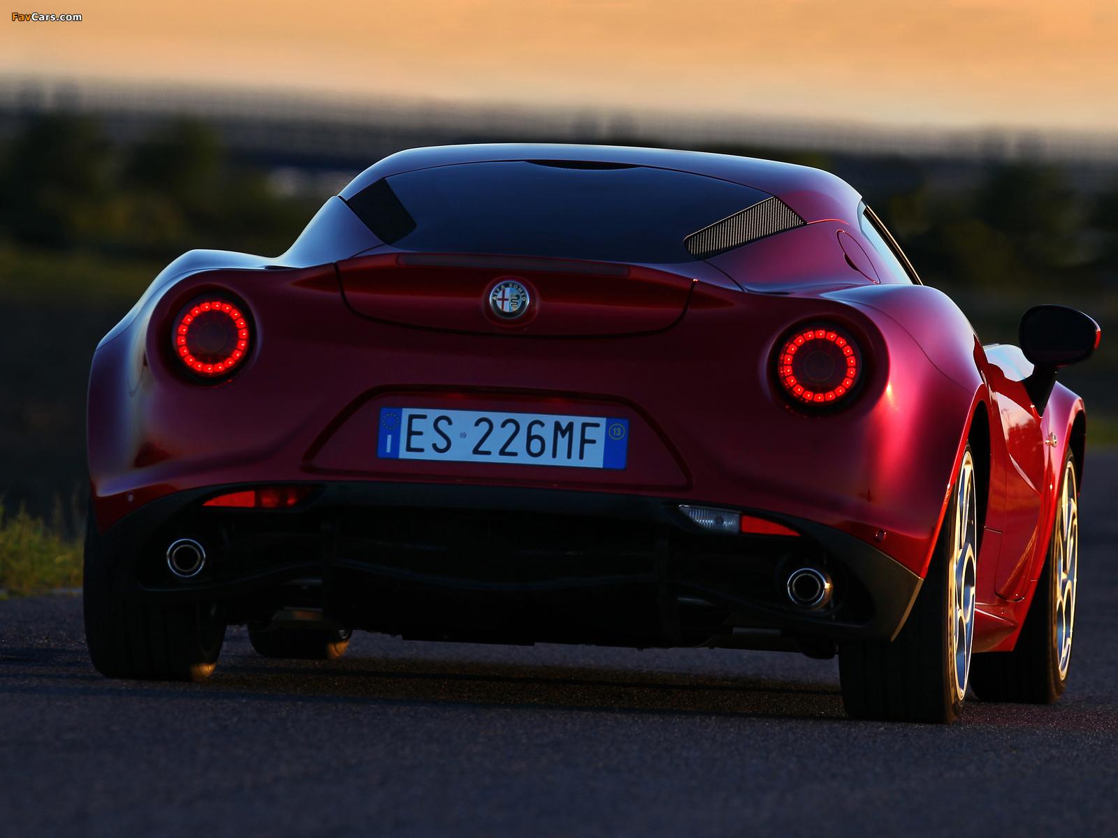 Photos of Alfa Romeo 4C Worldwide (960) 2013 (1600 x 1200)