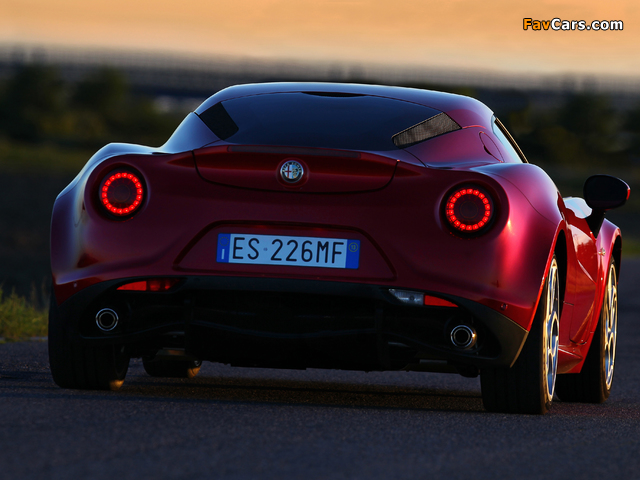 Photos of Alfa Romeo 4C Worldwide (960) 2013 (640 x 480)