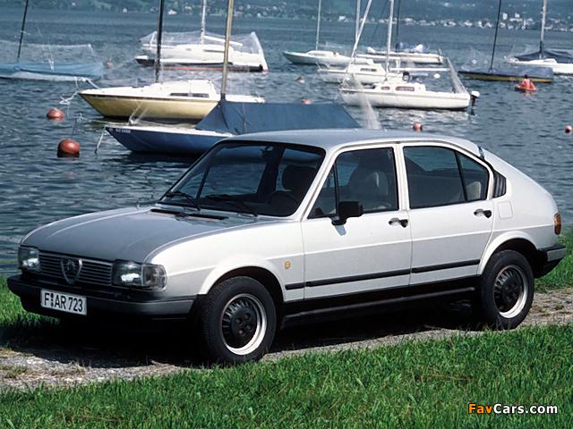 Alfa Romeo Alfasud Quadrifoglio Oro 901 (1982–1983) photos (640 x 480)