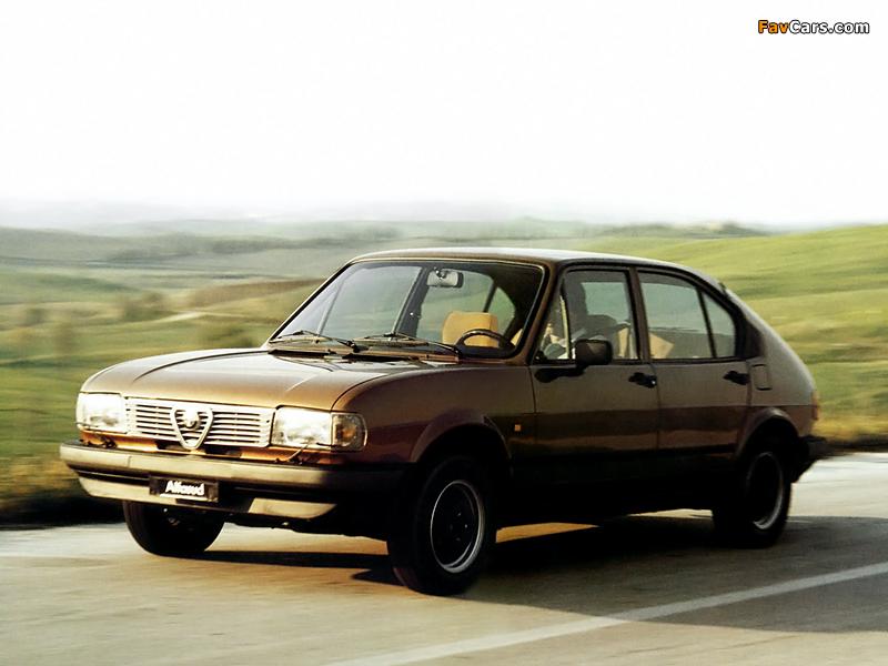 Alfa Romeo Alfasud Quadrifoglio Oro 901 (1982–1983) pictures (800 x 600)
