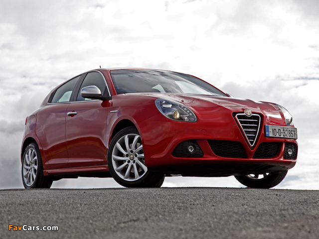 Alfa Romeo Giulietta UK-spec 940 (2010) pictures (640 x 480)
