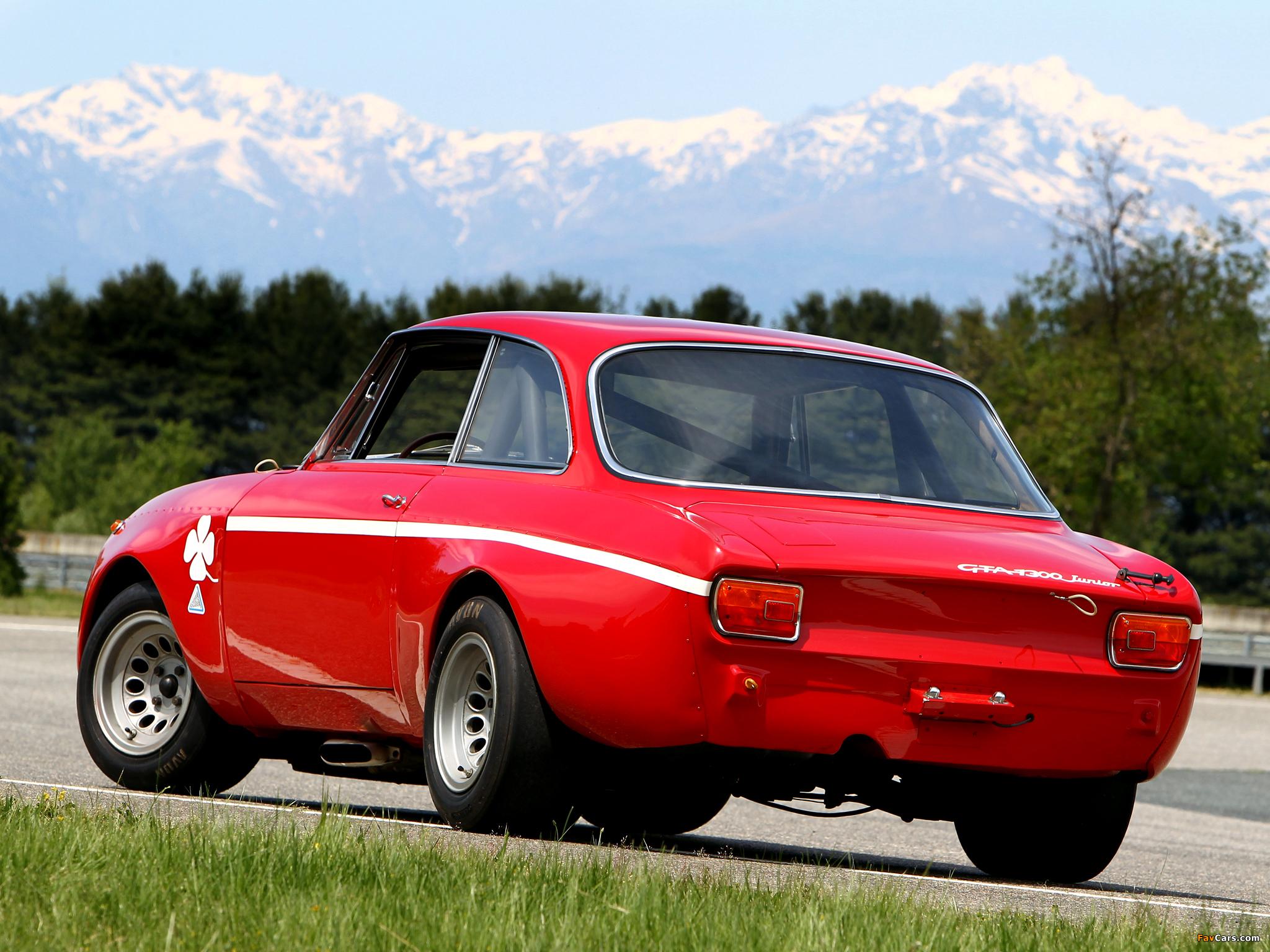 Images of Alfa Romeo GTA 1300 Junior Corsa 105 (1968–1972) (2048 x 1536)
