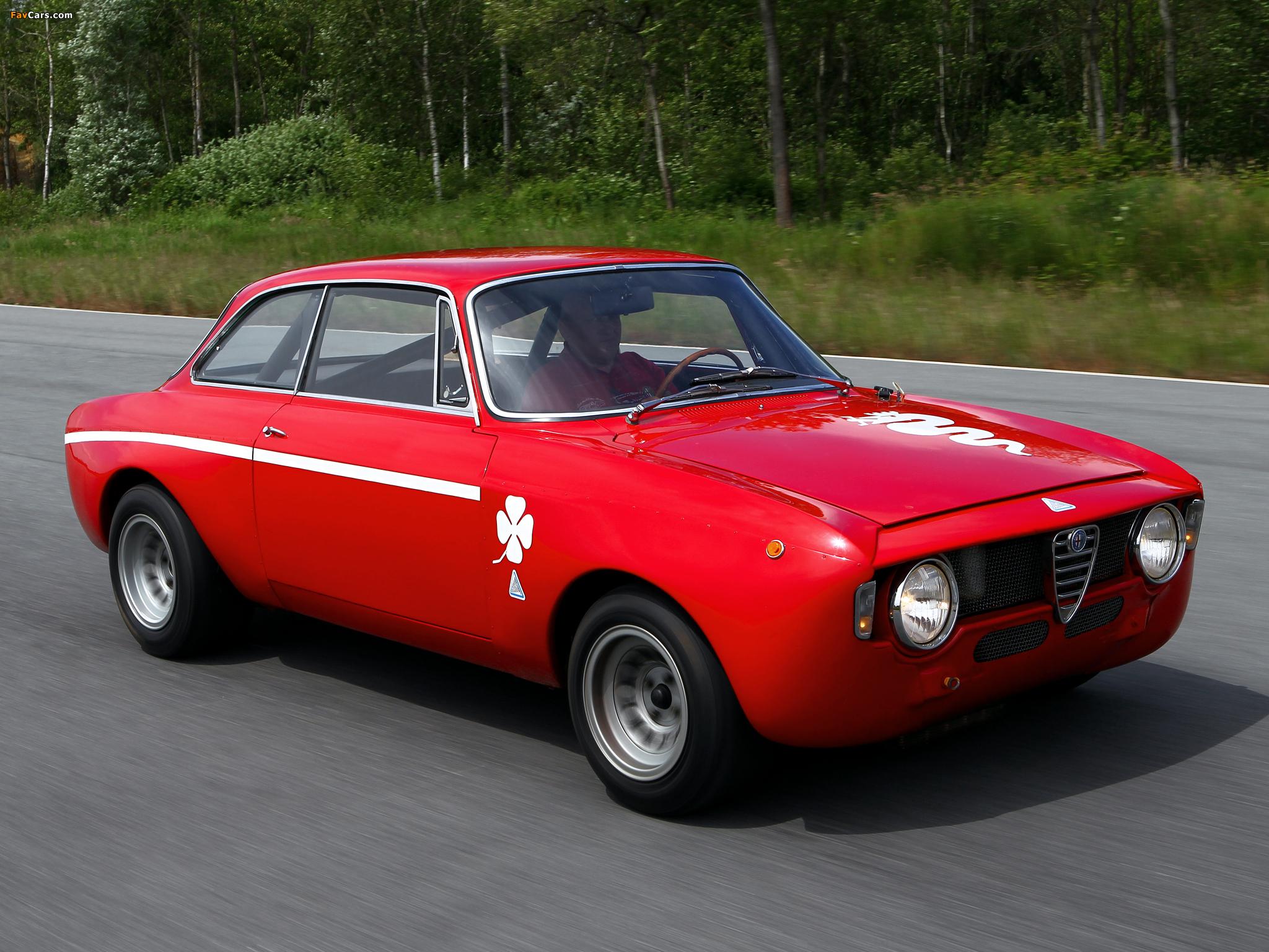 Pictures of Alfa Romeo GTA 1300 Junior Corsa 105 (1968–1972) (2048 x 1536)