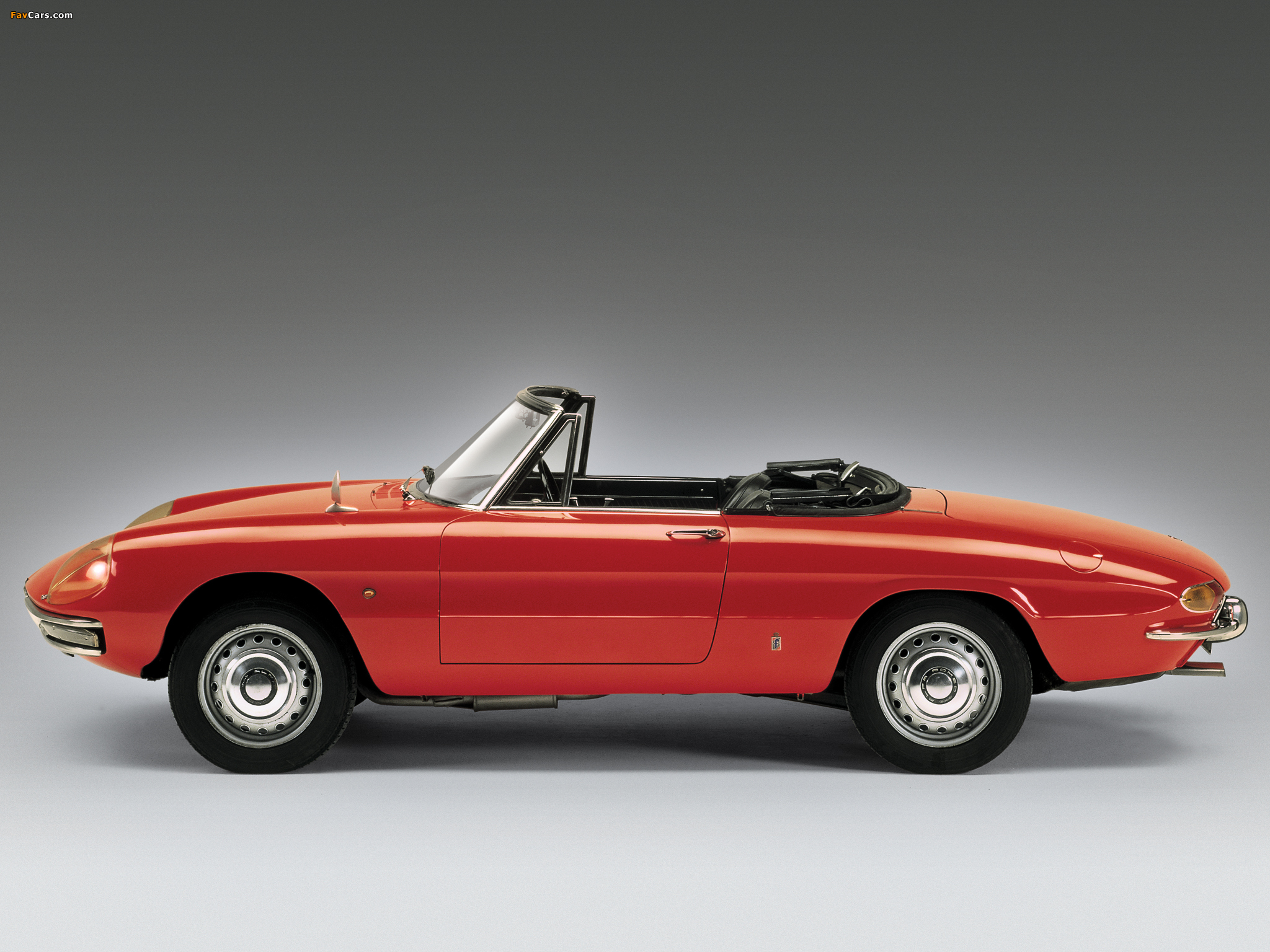 Alfa Romeo Spider 1600 Duetto 105 (1966–1967) images (2048 x 1536