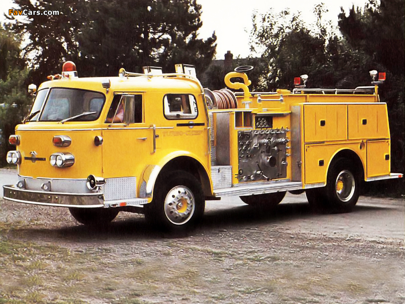 American LaFrance 1000 Series Turbo Chief (1972) pictures (800 x 600)