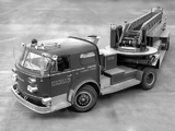 American LaFrance 900 Series Turbo Chief with Seattle (1961) images