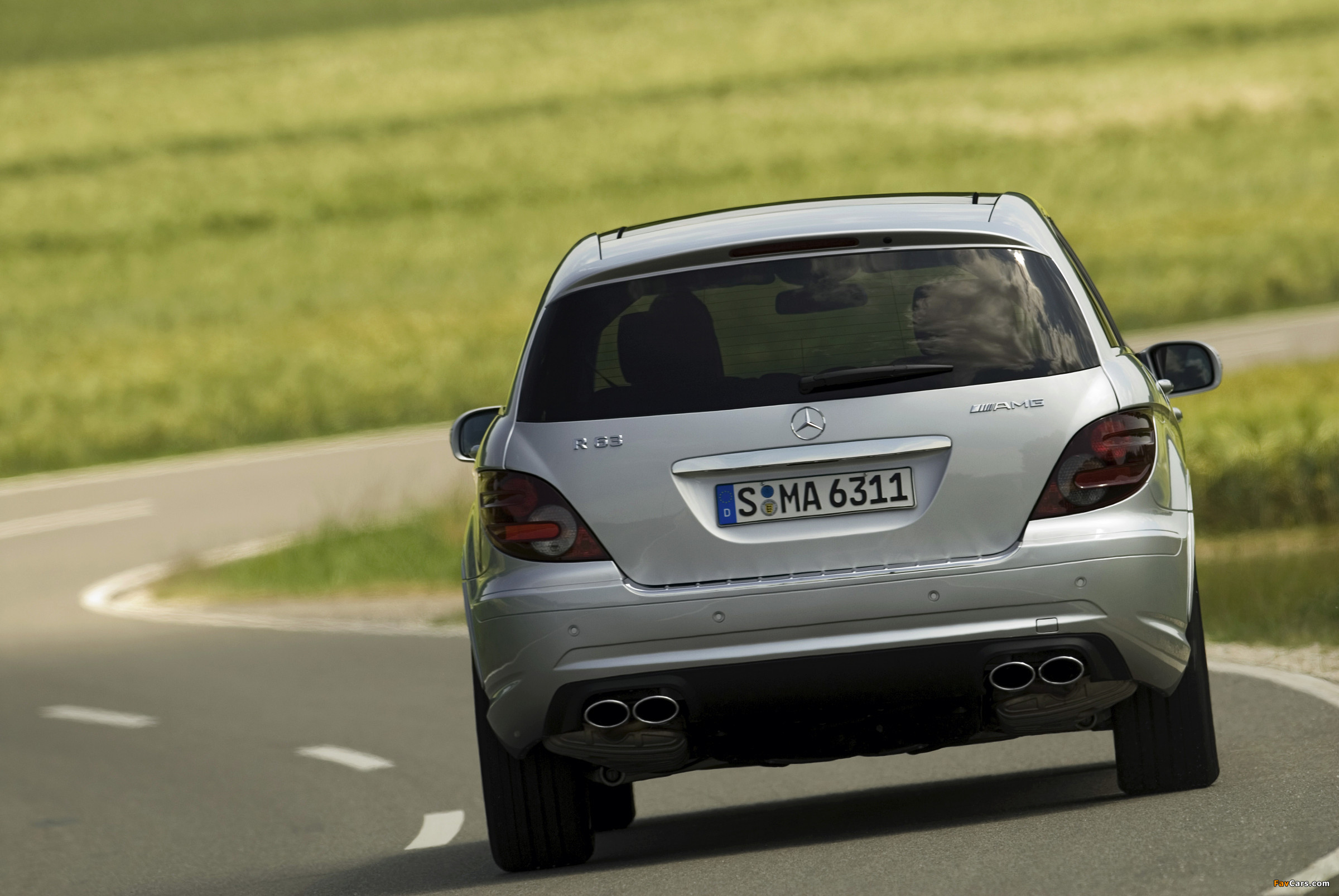 Pictures of Mercedes-Benz R 63 AMG (W251) 2007–10 (2400 x 1606)