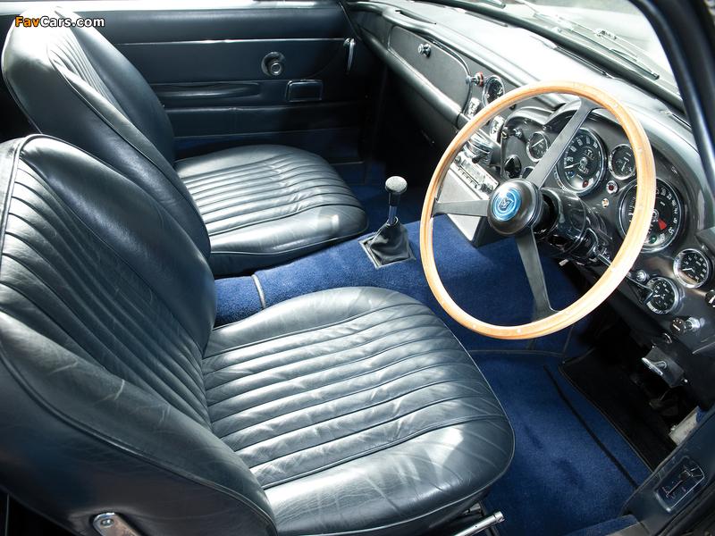 Pictures of Aston Martin DB6 Vantage UK-spec (1965–1970) (800 x 600)