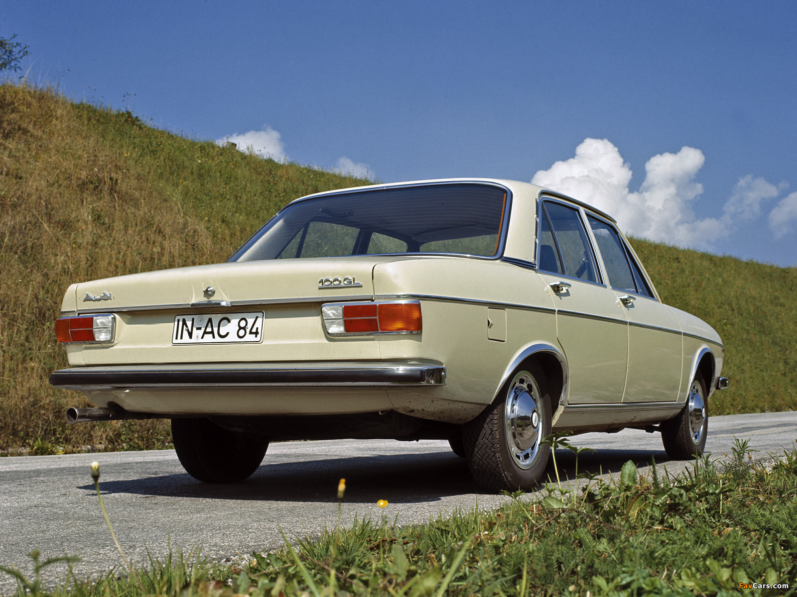 Audi 100 C1 1968 1973 Pictures 1600x1200