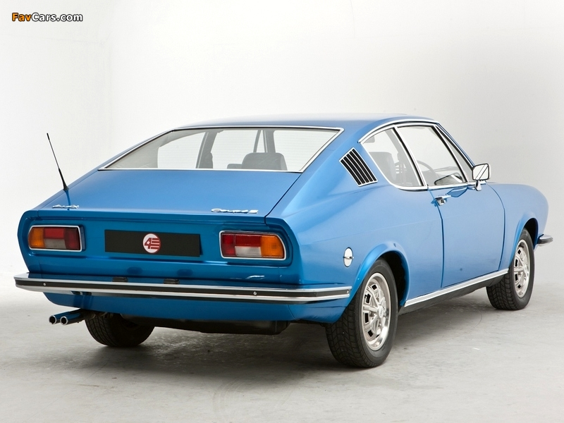 Wallpapers of Audi 100 Coupe S UK-spec C1 (1970-1976) (800x600)