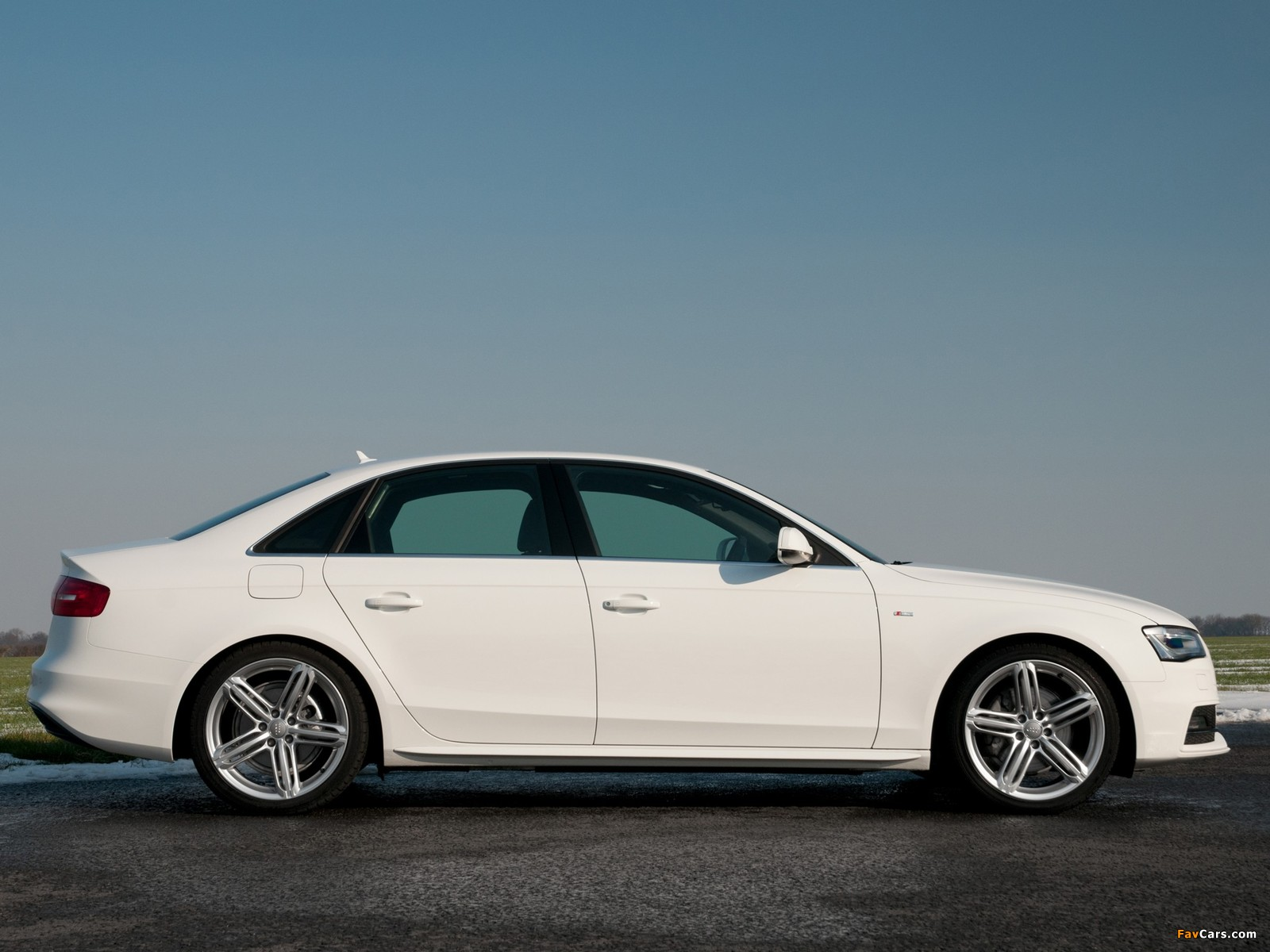 Audi A4 2.0 T Quattro >> Images of Audi A4 2.0T quattro S-Line Sedan UK-spec (B8,8K) 2012 (1600x1200)