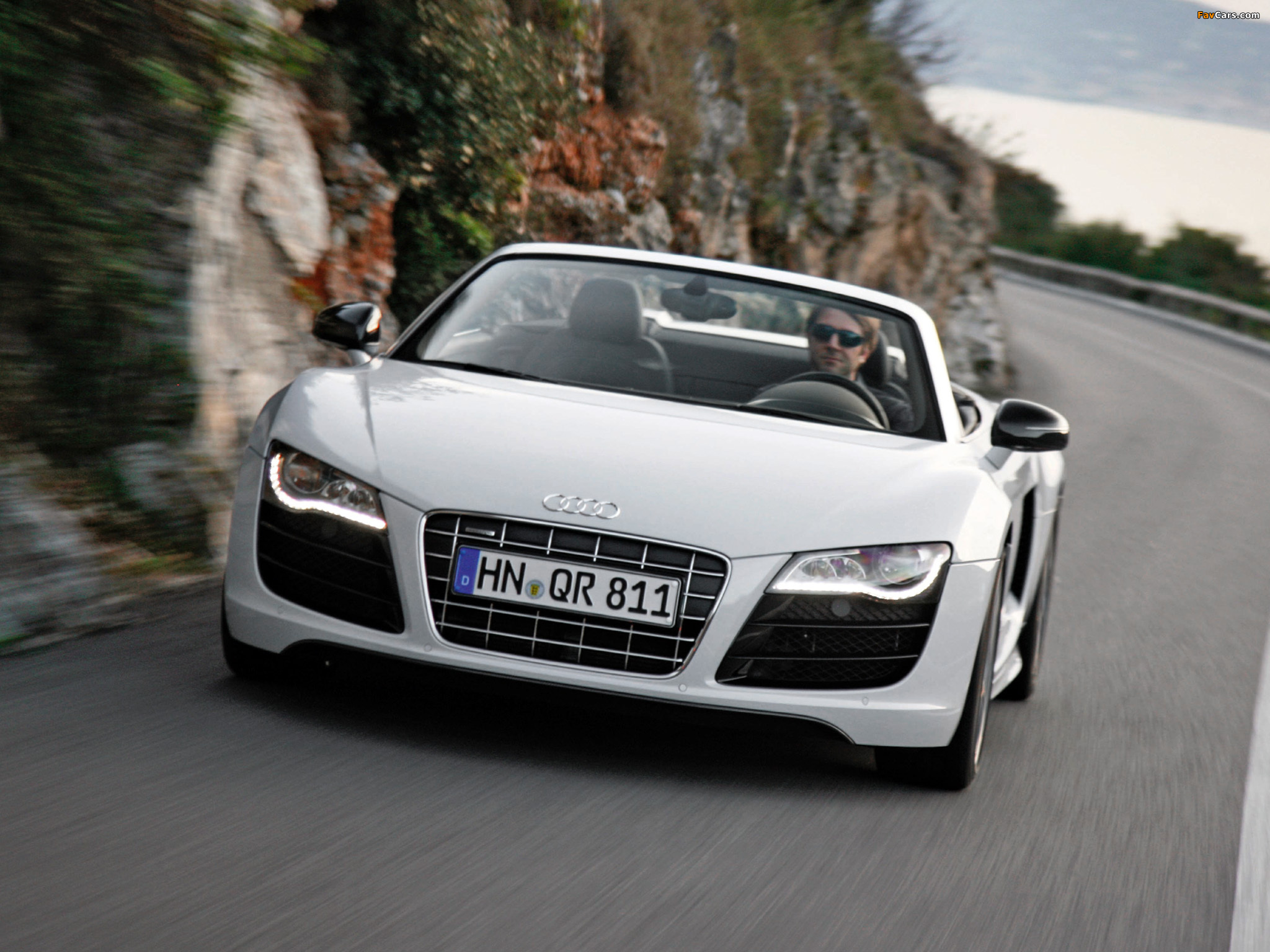 audi r8 v10 spyder 2009 pictures 2048x1536. Black Bedroom Furniture Sets. Home Design Ideas