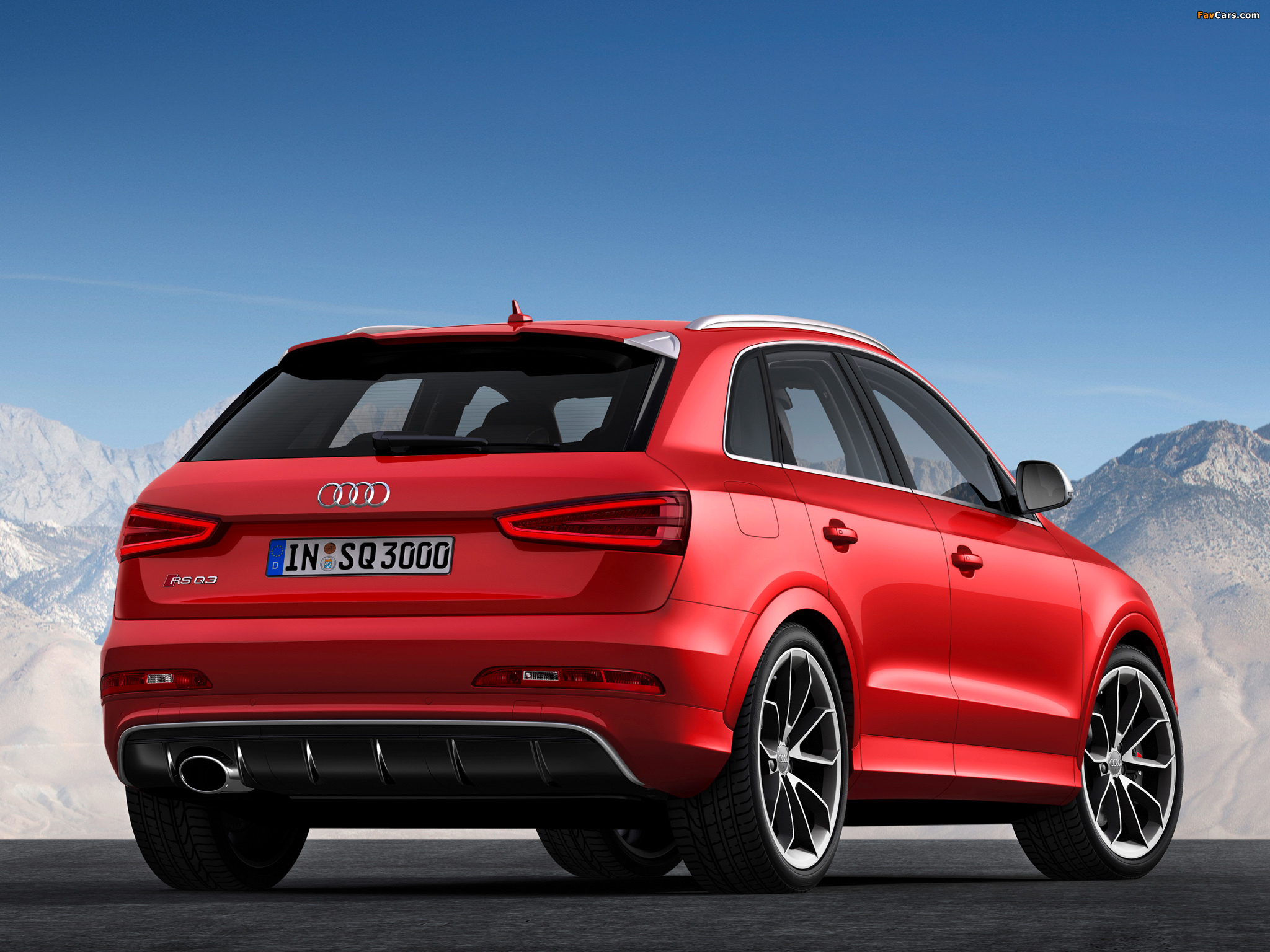 Audi RS Q3 2013 photos (2048 x 1536)
