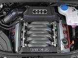 Audi S4 Sedan (B7,8E) 2005–07 images