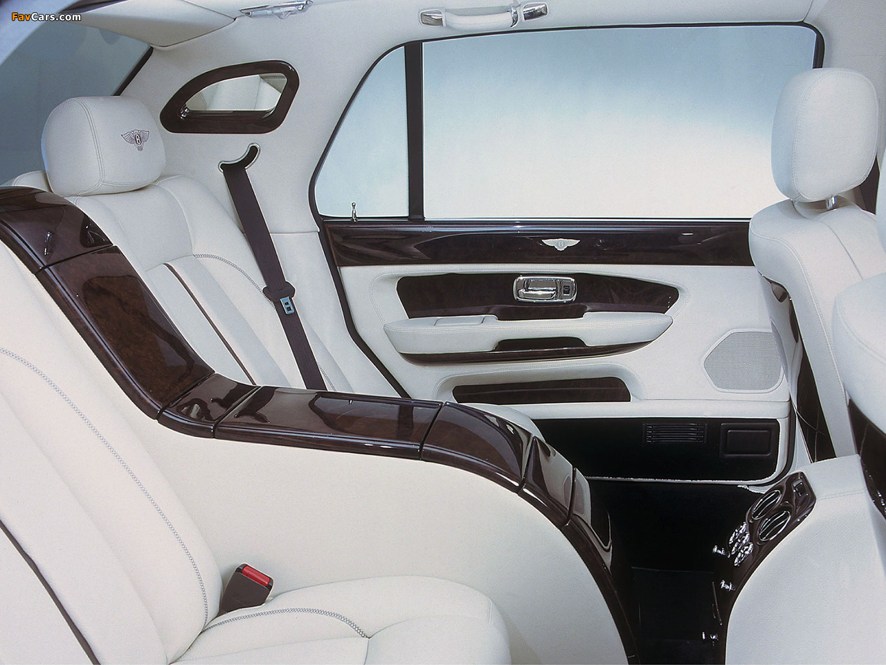 Photos of Bentley Arnage Red Label LWB Personal Commission 2001–02 (1280 x 960)