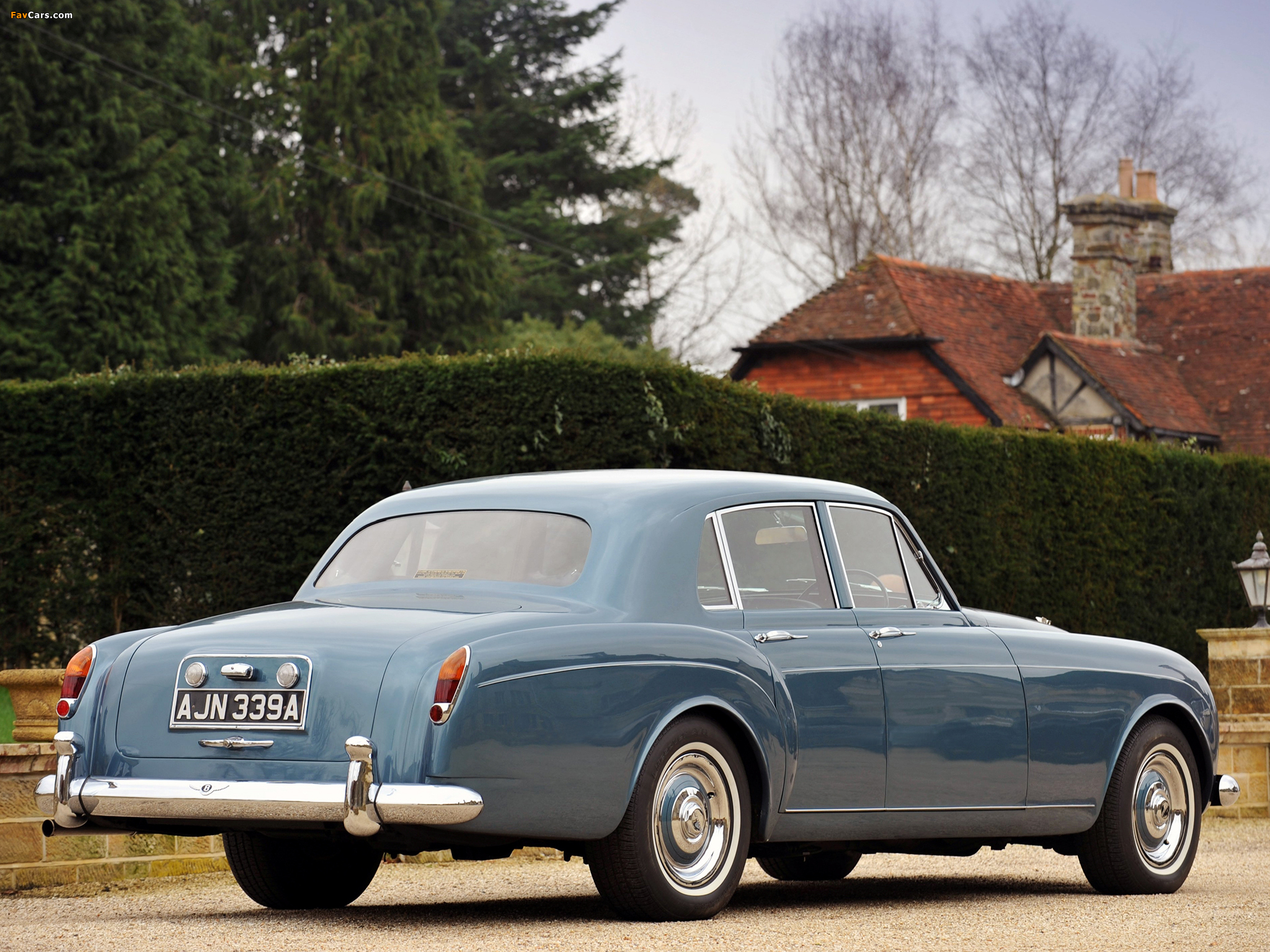 Bentley S3 Continental Flying Spur Saloon By Mulliner 1963