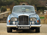 Photos of Bentley S3 Continental Flying Spur Saloon by Mulliner 1963–65