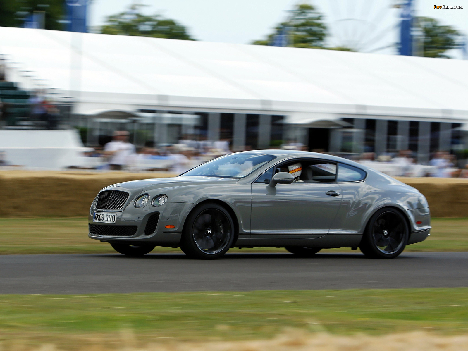 Bentley Continental Supersports 2009–11 photos (1600 x 1200)