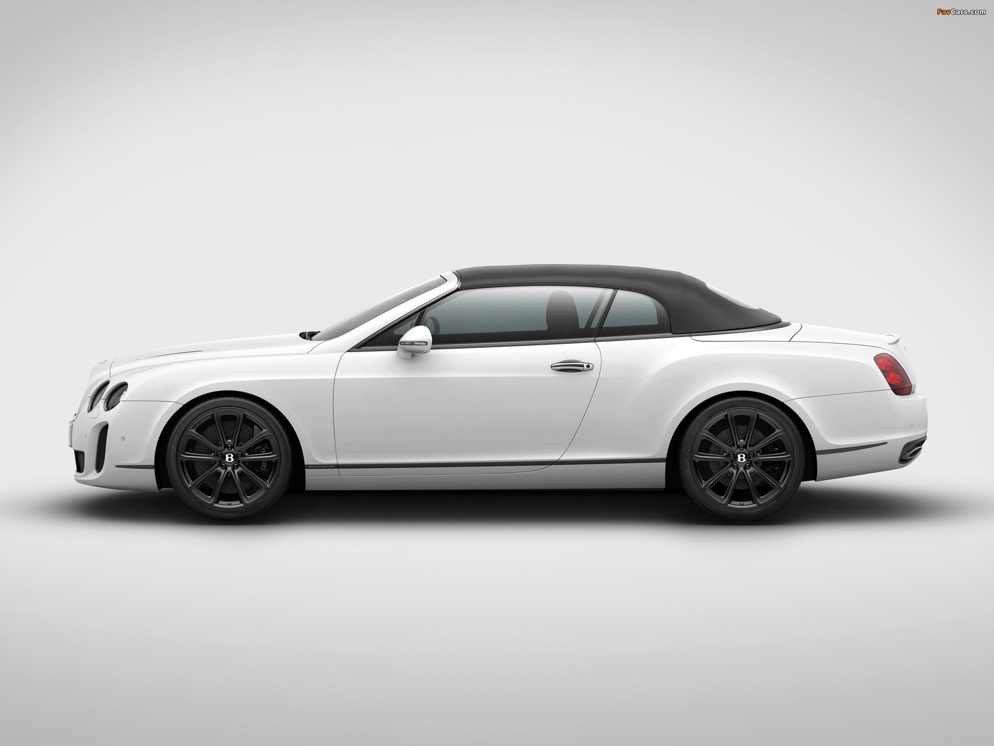 Bentley Continental Supersports ISR Convertible 2011 wallpapers (2048 x 1536)
