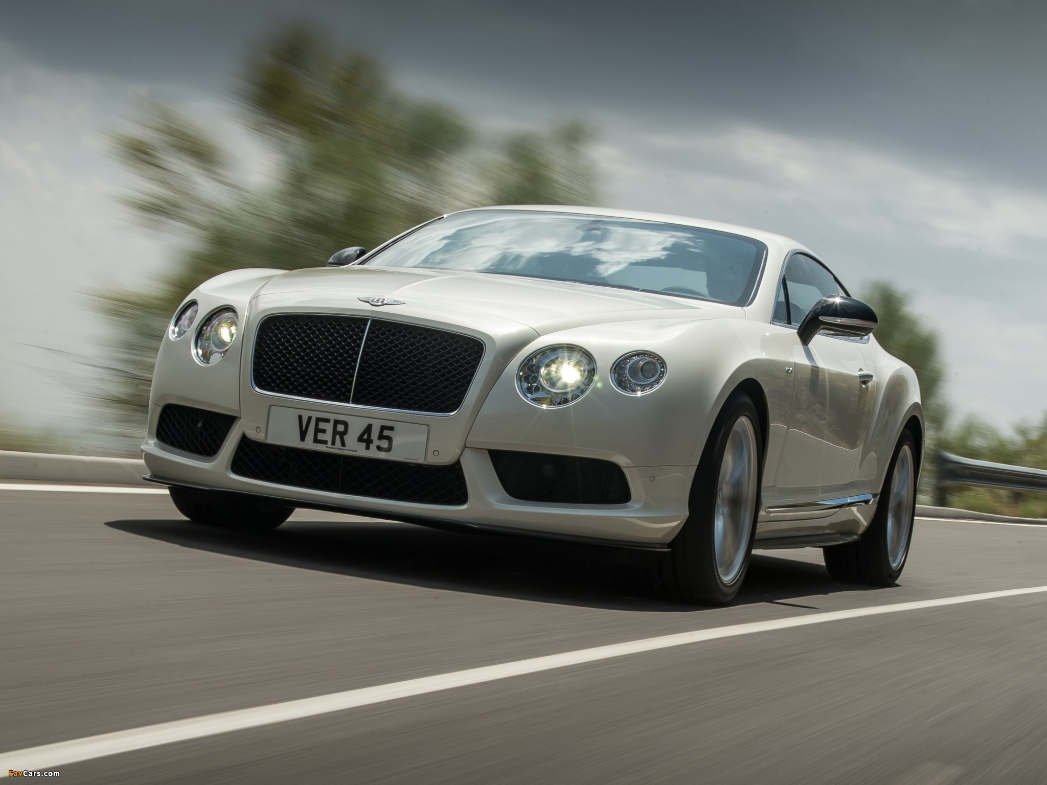 Bentley Continental GT V8 S Coupe 2013 wallpapers (2048 x 1536)