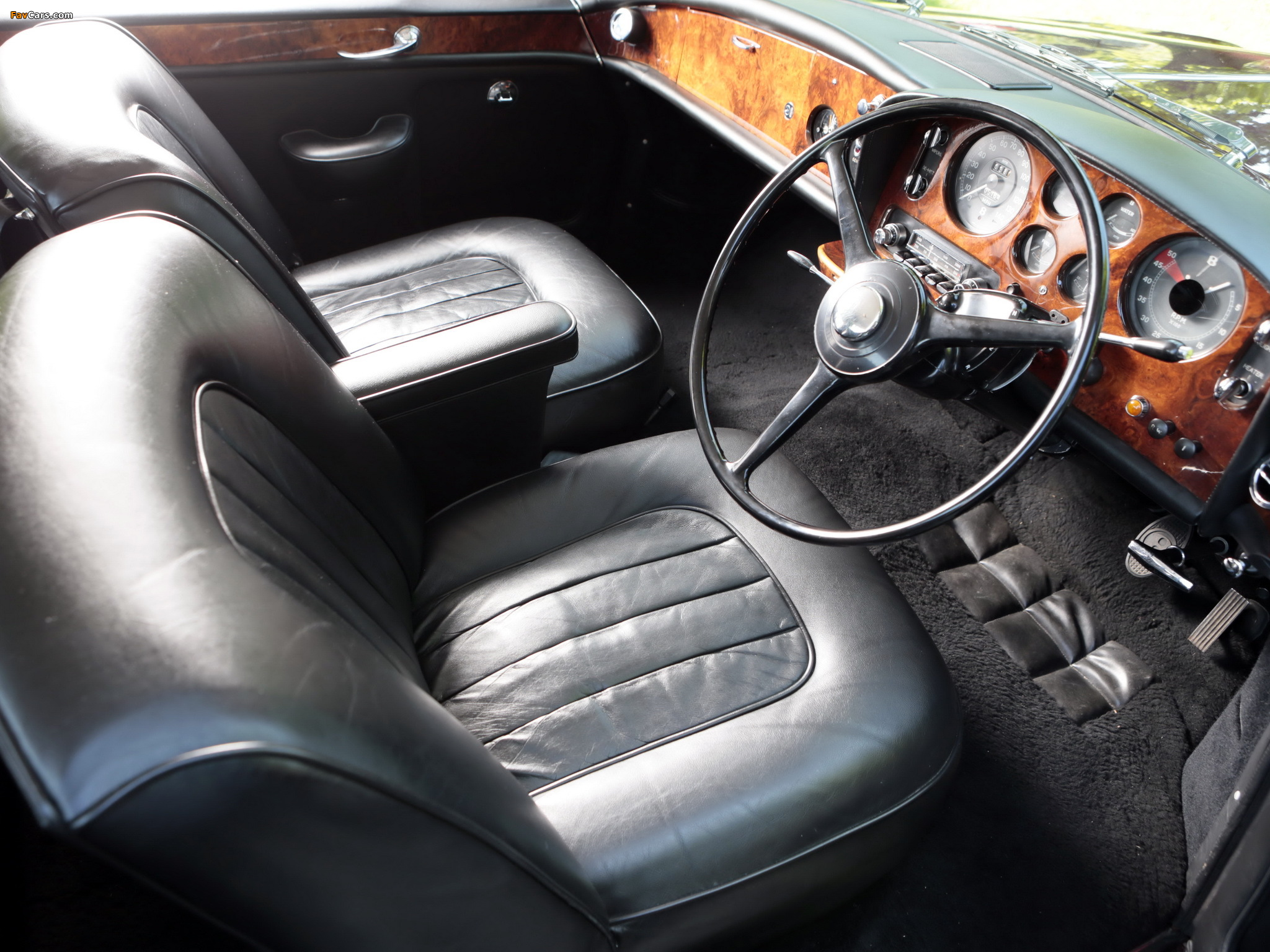 Photos of Bentley S3 Continental Coupe by Mulliner Park Ward UK-spec 1964–65 (2048 x 1536)