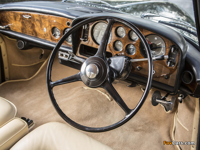 Bentley S3 Continental Coupe by Mulliner Park Ward UK-spec 1964–65 wallpapers (640 x 480)