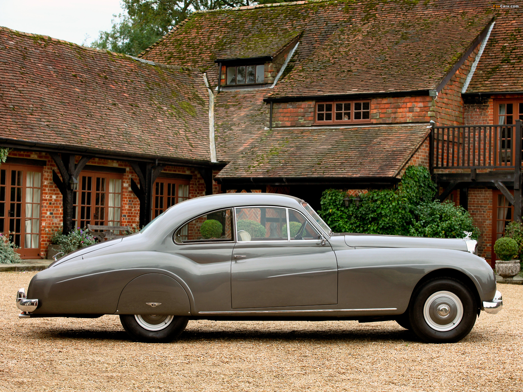 Bentley R-Type Coupe 1954–55 pictures (2048 x 1536)