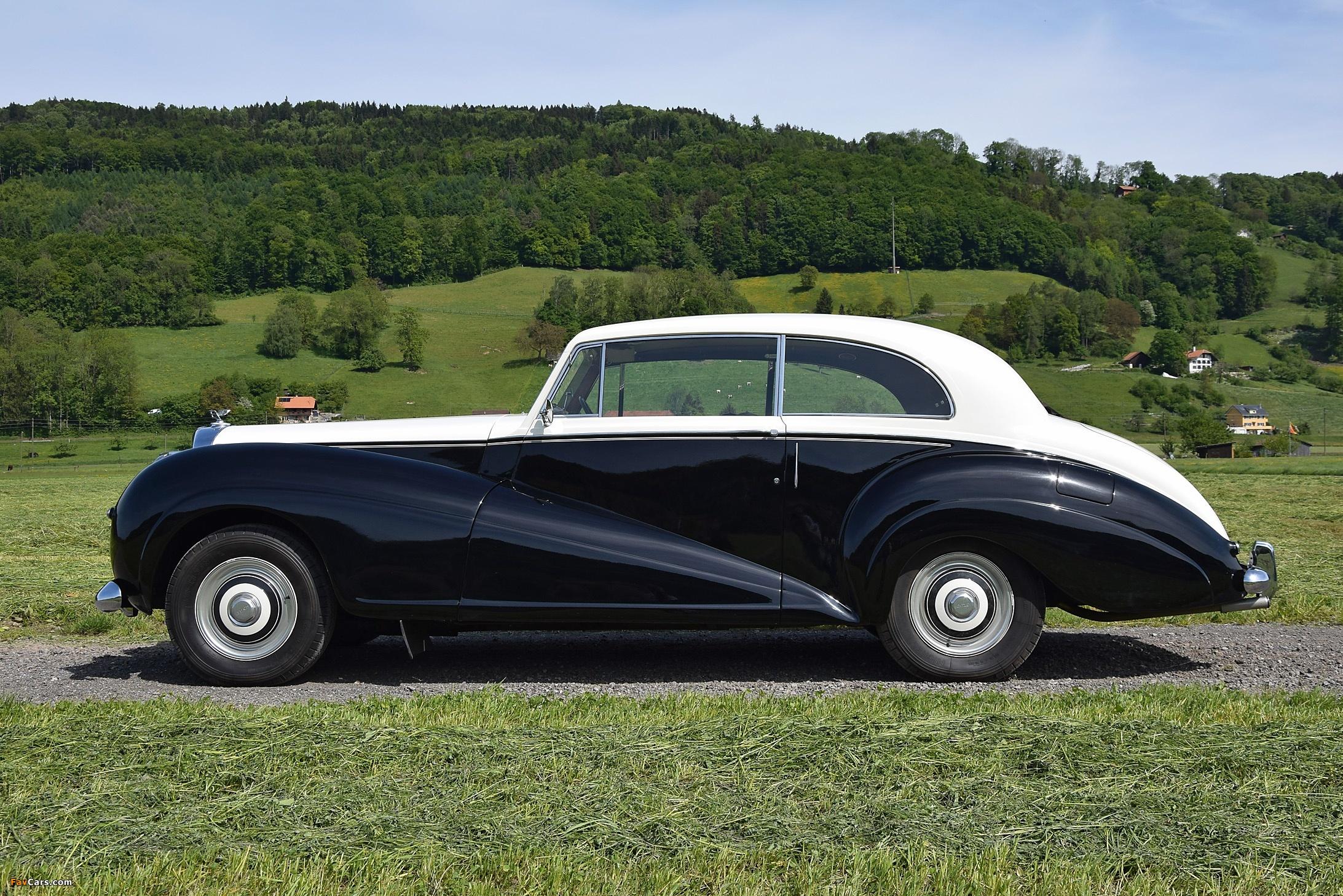 Images of Bentley R-Type 2-Door Saloon by James Young 1953 (2185 x 1458)