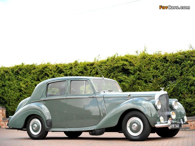 Photos of Bentley R-Type Standard Saloon 1952–55 (640 x 480)