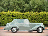 Photos of Bentley R-Type Standard Saloon 1952–55