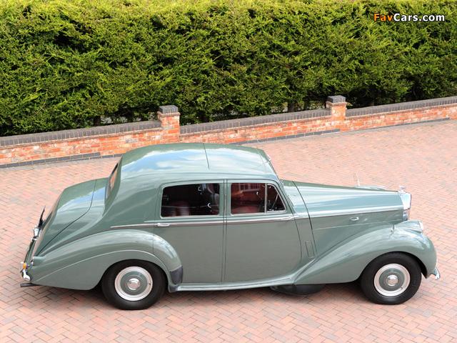 Pictures of Bentley R-Type Standard Saloon 1952–55 (640 x 480)