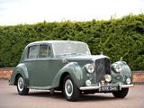 Pictures of Bentley R-Type Standard Saloon 1952–55