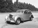Bentley R-Type Standard Saloon 1952–55 wallpapers