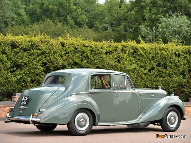 Bentley R-Type Standard Saloon 1952–55 wallpapers (640 x 480)