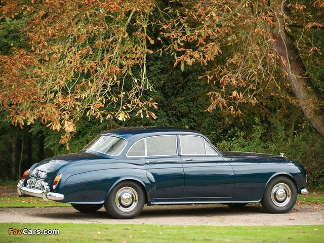 Photos of Bentley S3 Continental Saloon by James Young 1963–65 (640 x 480)